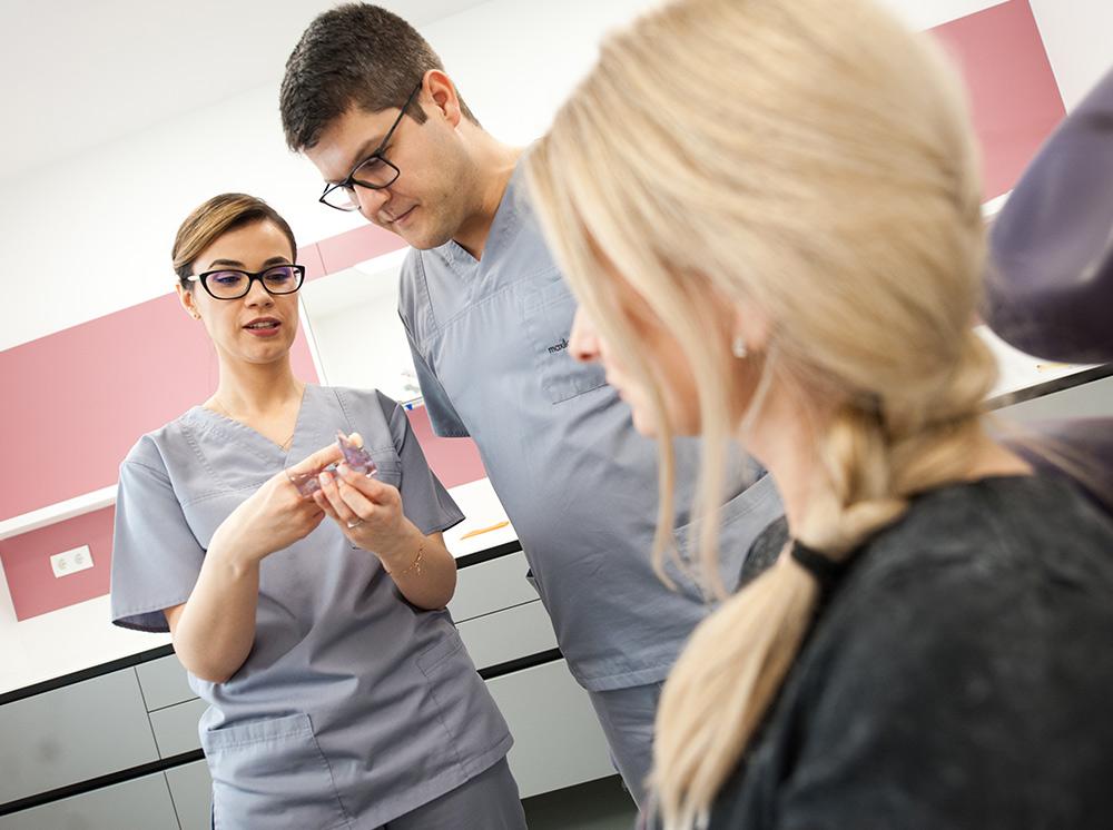 specialisti medicina dentara clinica maxilomed raluca juncar mihai juncar